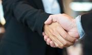 Bắt tay như thế nào giúp bạn thành công trong sự nghiệp?