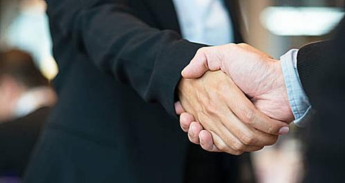 Bắt tay như thế nào giúp bạn thành công trong sự nghiệp? - VnExpress Đời sống