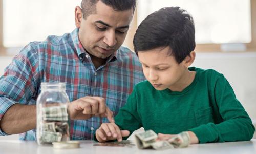 Từ thời thơ ấu, hãy cho trẻ một bộ não tư duy phong phúvà xây dựng khái niệm giàu có trong tâm trí của chúng để mở rộng hình dung vềcuộc sống trong tương lai. Ảnh: Askmen.
