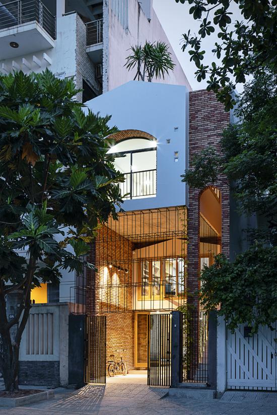 Gia chủ Đà Nẵng xây 'nhà trong nhà' trên đất hình ống