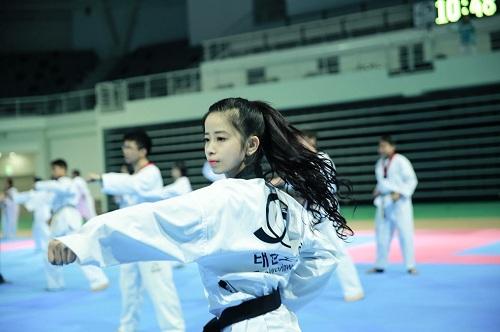 Châu Tuyết Vân khẳng định nhà vô địch là những người bền bỉ với đam mê.