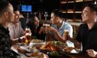 Phong cách thưởng thức bia tươi từ xưa tới nay