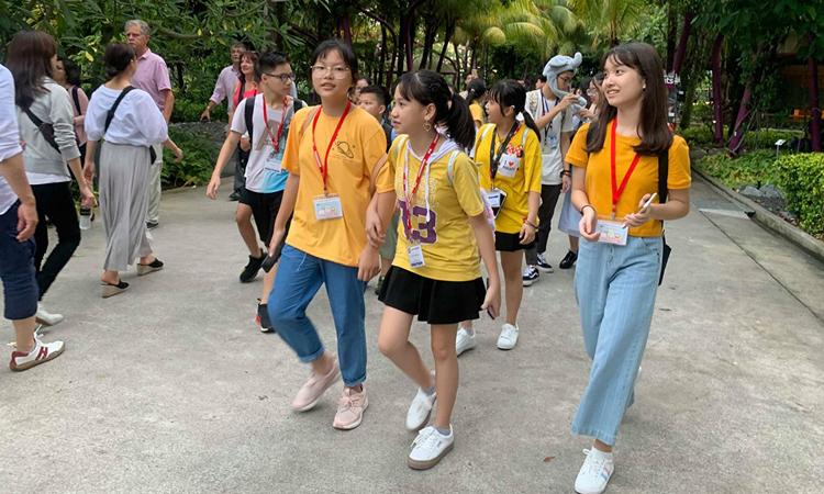 Một trại hè của các em nhỏ Việt đang diễn ra tại Singapore. Ảnh: Phương Hảo.