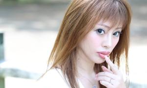 Người mẫu Nhật đại tu nhan sắc 2 thập kỷ vì bị mẹ chê xấu