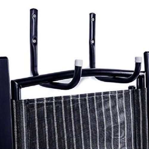 Heavy-Duty Steel Garage Storage Utility Hooks (móc tiện ích): Những chiếc móc có thể chịu được sức nặng lên tới 25 pounds (tương đương với 11,33 kg) hoặc hơn thế. Thang xếp, vòi nước, cùng nhiều vật dụng khác giúp bạn có nhiều không gian sử dụng hơn.