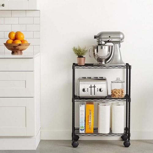 Shelf Shelving Unit (kệ để đồ): Đây là sản phẩm dành cho nhà bếp, phòng khách, phòng ngủ ký túc xá, phòng riêng, và thậm chí là garage. Bị thiếu không gian sử dụng? Hãy biến sản phẩm này thành nơi để lò vi sóng hoặc máy nướng bánh mì của bạn. Nhiều khách hàng cũng dùng nó để đặt những chậu cây nhỏ.