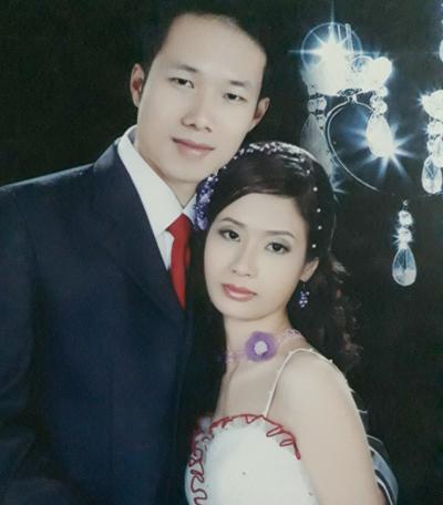 Vợ chồng chị Trang cưới nhau cách đây 10 năm,quen nhau khicùng làm tại một tiệm ảnh cưới tại Phú Thọ.Thu Trang.