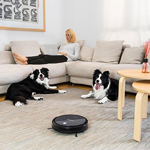 Robot hút bụi Cecotec Conga của Tây Ban Nha có thể hút bụi và lau sạch sàn nhà mà không gây tiếng ồn.