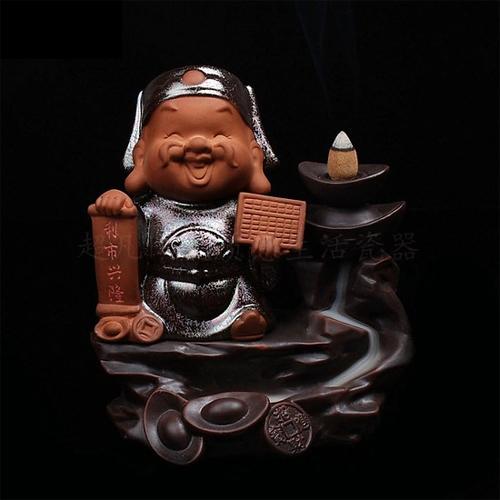 Thác khói trầm hương thần tài