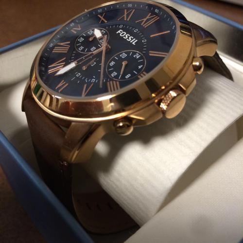 6 mẹo nhận biết đồng hồ bạn đeo là hàng hiệu thật hay rởm