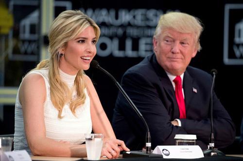 Ivanka là cố vấn thân cận của Donald Trump trong Nhà Trắng. Cô theo chân ông trong rất nhiều chuyến công du nước ngoài. Ảnh: Usmagazine.
