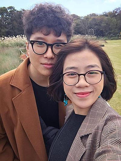 Hai vợ chồng Thái Hòa- Sejun mở một quán cà phê tại Sài Gòn mang phong cách Hàn Quốc. Ảnh: T.H.