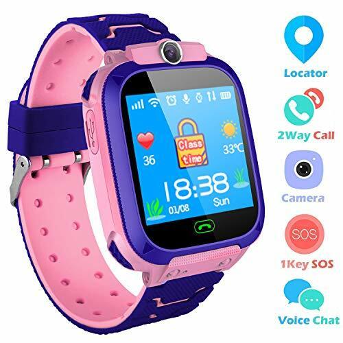 THEMOEMOE GPS Kids Tracker: Ngoài định vị GPS, thiết bị còn có khả năng nghe, gọi hai chiều từ đồng hồ của bévà điện thoại của bố mẹ. Camera mặt trước cho phép bé chụp ảnh gửi cho bố mẹ. Nút bấm SOS tách biệt giúp bé dễ báo cho bố mẹ khi có trường hợp khẩn cấp, không cần thao tác phức tạp. Màu sắc hồng và xanh, thích hợp cho cả bé gái lẫn bé trai. Giá cho thiết bị này là 1,172 triệu đồng.