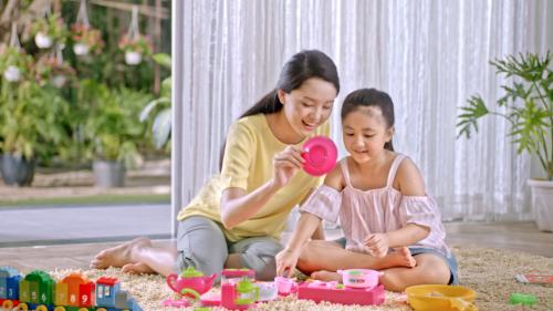 Phụ huynh nên lựa chọn những mẫu đồ chơi an toàn, chất lượng.