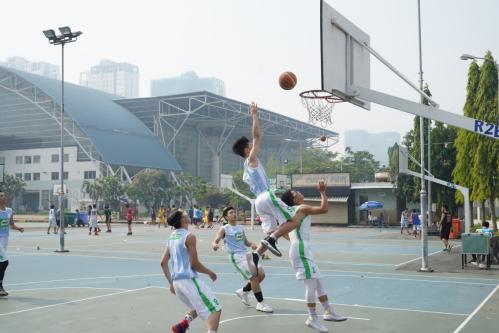 Trẻ thường xuyên vận động, tập luyện thể thao có thể học tập tốt hơn.