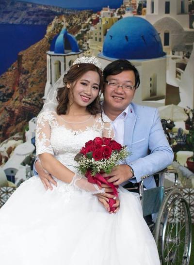 Nho - Nga làm đám cưới vào tháng 1/2018. Hơn một tháng sau, họ được nhận ngôi nhà do chính tay mình mua. Ảnh: NVCC.
