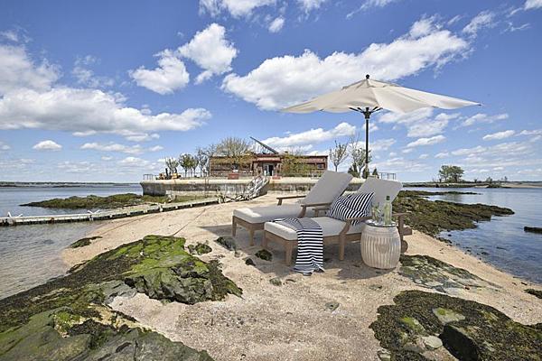 Hòn đảo tư nhân là ước mơ của nhiều triệu phú. Ảnh: Bloomberg.