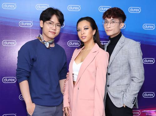 Từ trái qua phải: Chu Hoài Bảo, Hana Giang Anh, Huỳnh Quang Minh đóng vai trò tư vấn cho bạn trẻ về tình dục an toàn.