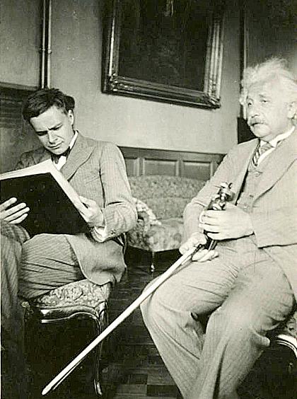 Albert và Eduard Einstein trong buổi gặp cuối cùng. Ảnh: IAS.