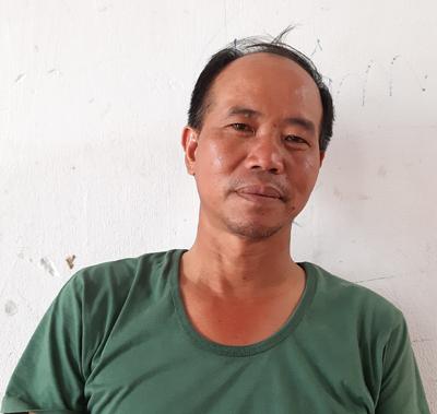 Anh Viễn ở trọ để làm thợ xây ở Hưng Yên, nhưng thường xuyên phải về nhà sớm vì con có biểu hiện bất thường. Ảnh: Phạm Nga.