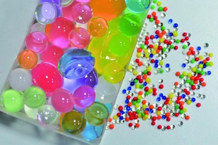 Hạt nở nhiều màu sắc khiến trẻ em lầm tưởng là kẹo. Ảnh: dayoo.com.