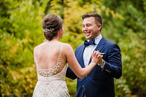 Tyler cuối cùng cũng được gặp cô dâu. Ảnh: Raph Nogal Photography.