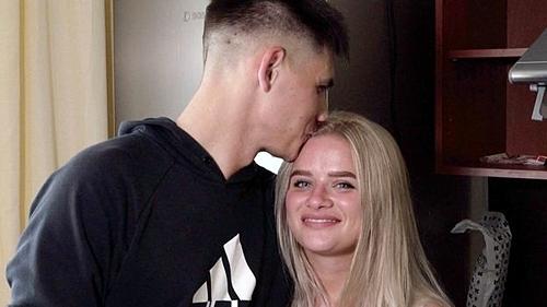 Anastasia bên bạn trai Sergei. Ảnh: BBC.