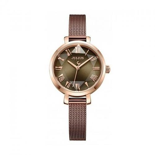 Với thiết kế mặt đồng hồ pha lê được cắt gọt khéo léo thành các cạnh ngôi sao, đồng hồ dây thépcủa Julius mang lại nét sang trọng, một chút phá cách và thanh lịch cho người đeo. Các nàg nó thể dễ dàng thay đổi phần dây thép thành dây da tuỳ thích. Đường kính mặt đồng hồ vỏn vẹn 26 mm, thích hợp với các nàng tay nhỏ, gầy, khó tìm được kiểu đồng hồ ưng ý. Sản phẩm có 2 màu nâu và hồng, đa dạng lựa chọn cho phái đẹp.