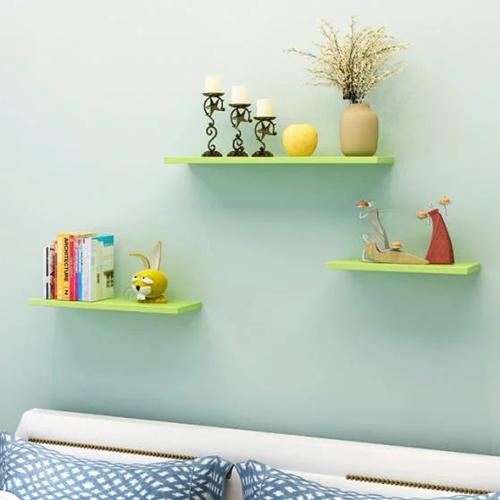 Kệ 3 thanh ngang 40-50-60 màu xanh lá cây tạo điểm nhấn cho không gian nhà, giá 219.000 đồng.