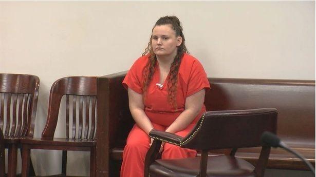 Marissa Mowry bị cho là còn xâm hại một đứa bé khác, trước khi biến cậu bé 11 tuổi thành cha. Ảnh: Mirror.