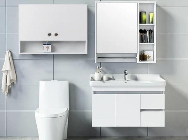 Các loại kệ, tủ trên Shop VnExpress giúp sắp xếp phụ kiện gọn gàng, sạch sẽhơn.