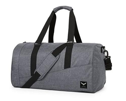Túi trống chất liệu vải simili polyester, màu sắc nhã nhặn, dễ phối đồ. Bên trong túi có nhiều ngăn nhỏ itện dụng. Quai đeo có đệm vai êm ái, điều chỉnh độ dài tùy thích. Sản phẩm được bảo hành 12 tháng theo hóa đơn, hiện có bán trên Shop VnExpress với giá 149.000 đồng, giảm 26% so với giá gốc.