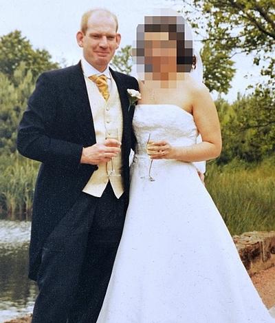Vợ chồng Roberts chia tay sau hơn 20 năm gắn bó. Ảnh: Mirror.