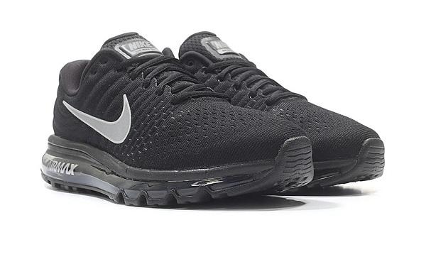 Giày thể thao Adidas, Nike còn nửa giá trong ngày 14/11 - 6
