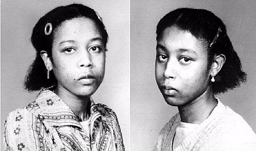 June (phải) và Jennifer lúc trưởng thành. Ảnh: face2face.