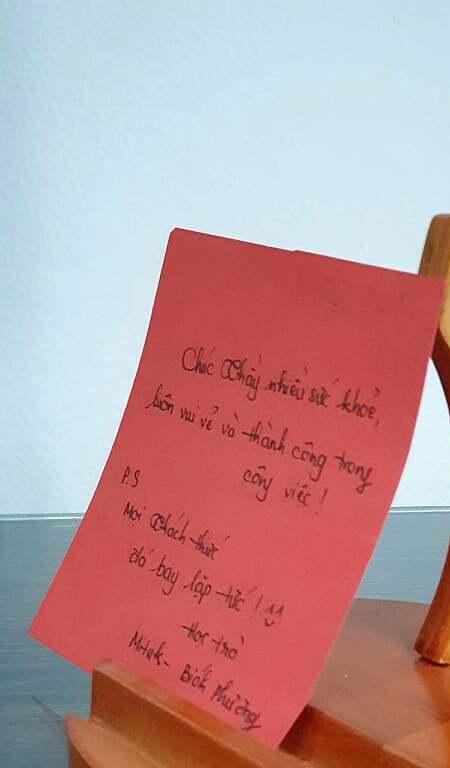 Món quà 20/11 khó quên nhất của thầy giáo Phạm Thanh Truyền. Ảnh: NVCC.
