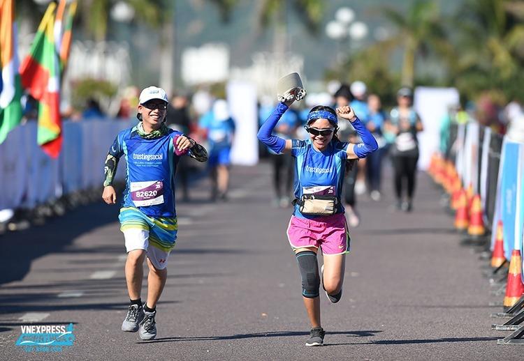 Người yêu thích chạy bộ có thể đăng ký vé Super Early Bird từ 12/11 đến 10/12 để tham gia giải marathon do VnExpress tổ chức tại Huế, Quy Nhơn.