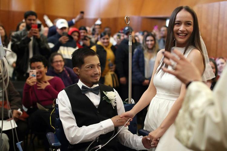 Đám cưới của Rodriguez và Cuevas, hôm 27/11. Ảnh: Suntimes.