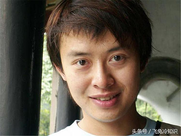 Ba lần bỏ học tiến sĩ, ở Trung Quốc, Vương Ngân được mọi người đặt cho biệt danh Thiên tài kiêu ngạo nhất Trung Quốc. Ảnh: sina.