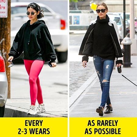 Quần legging (trái) nên giặt sau 2-3 lần mặc. Quần Jean (phải) nên giặt ít nhất có thể.