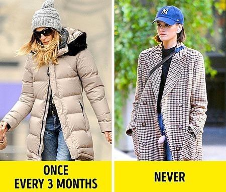 Áo phao có thể giặt sau 3 tháng, còn áo khoác vải thì không bao giờ, mà dùng giặt khô.