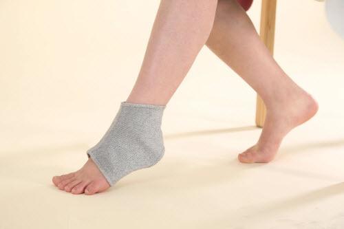 Bộ bảo vệ cổ chân giảm còn 180.000 đồng (giá gốc 360.000 đồng).