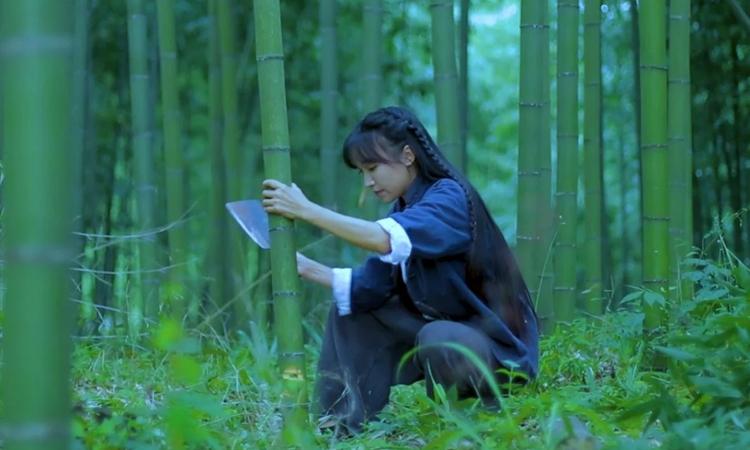 Những video của Lý Tử Thất đều hướng tới cuộc sống bình dị, tự cung tự cấp của người nông dân. Ảnh: Lý Từ Thất.