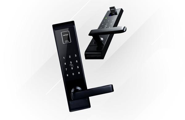 Khóa điện tử EL9000 được trang bị đầy đủ các tính năng bảo mật như chống phá khóa, chống sao chép mật khẩu, sốc điện... với miếng chắn bảo vệ vân tay khỏi bụi. Các dòng khóa điện tử của Häfele luôn được kiểm định nghiêm ngặt (200.000 lần kiểm tra đóng mở) trước khi được đưa ra thị trường.