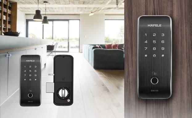 Khóa điện tử không tay nắm ER5000 & ER5100 của Häfele phù hợp với cửa sắt lẫn cửa gỗ.