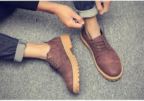 Các đôi boot phối cùng jean mang đến vẻ ngoài lịch lãm.