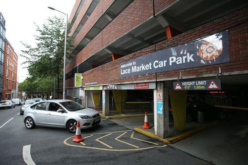 Bãi đậu xe nơi anh Lee nhận được sự giúp đỡ của một người vô gia cư. Ảnh: Nottinghampost.