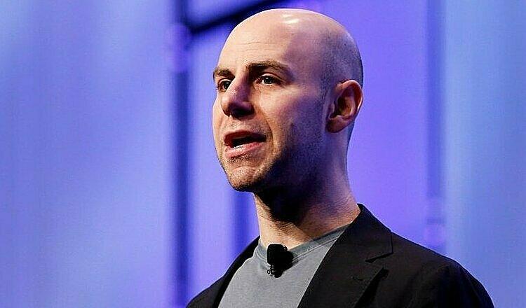 Adam Grant là giáo sư trẻ tuổi nhất tạiĐại học Pennsylvania. Bài viết mới của ông về lòng tốt hơn thành công trong nuôi dạy trẻ đang được quan tâm. Ảnh: The Atlantic.