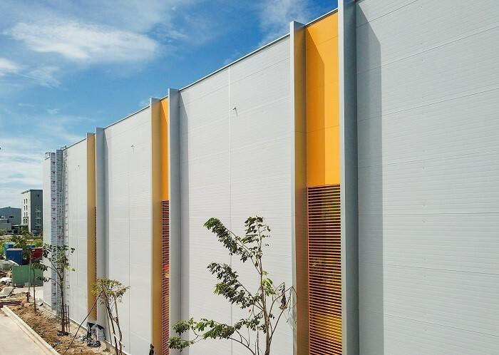 Panel cách nhiệt ngày càng được ứng dụng trong các công trình nhà ở lẫn công nghiệp vì đảm bảo các yếu tố cách nhiệt lẫn thẩm mỹ.