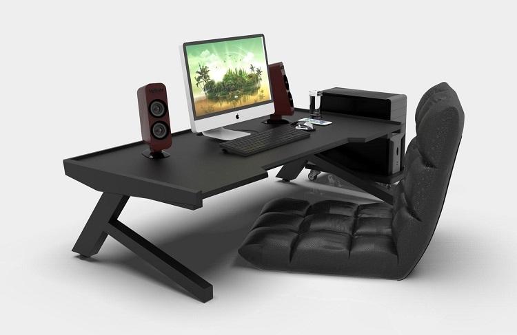 Bàn làm việc K Gaming bệt màu đen cá tính,  thiết kế khác biệt. Thế chân chữ K vững chắc, tạo điểm nhấn mới lạ cho không gian nội thất nhà bạn. Với nhữnggame thủ thích ngồi bệt, muốn cógóc máy đẹp, gọn gàng, đây là lựa chọn lý tưởng.Mặt bàn cókích thước chuẩn là 60 m x 1,2 m, được làm bằng gỗ cao su tự nhiên 100%, chịu sức nặng tốt.Mặt bàn sơn PU 2Kchống nước.Chân bàn làm bằng kim loại, được sơn tĩnh điện chống bong tróc. Sản phẩm đượcthiết kế thêm viền chống rơi vỡ đồ,tạo điểm nhấn cho bàn, phù hợp cho các bạn dùngPC.Chân bàn có thểgấp lại gon gàng để tiện vận chuyển. Sản phẩm có giá 1,62 triệu đồng, ưu đãi 10% trên Shop VnExpress.
